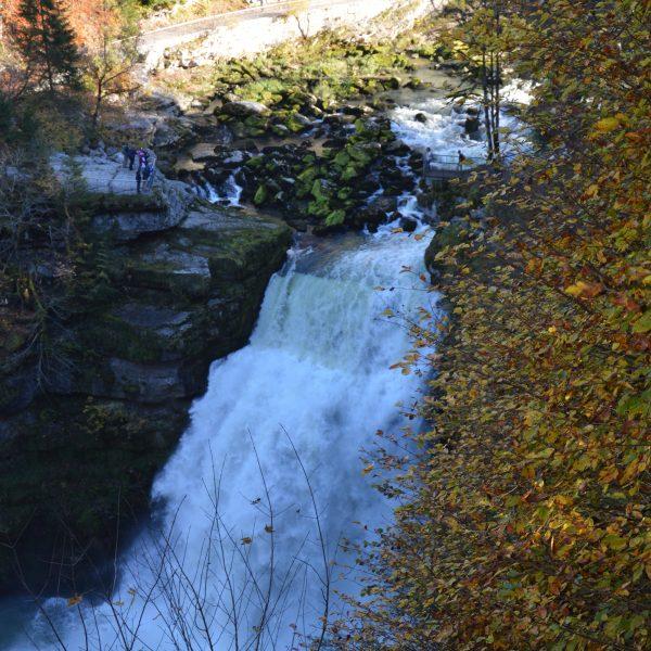cascade eau Saut du Doubs automne forte chute