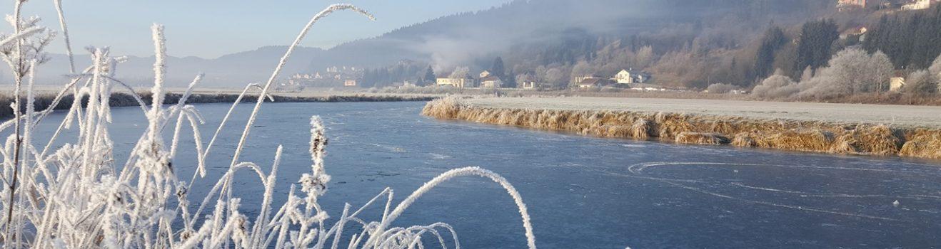 hiver sans neige rivière gel givre défilé entreroche morteau pays horloger
