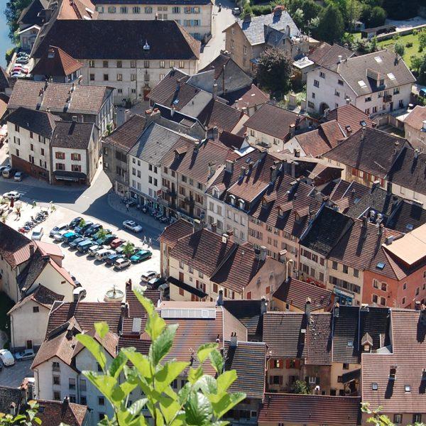 Saint-Hippolyte vue centre bourg patrimoine cité de caractère pays horloger doubs jura