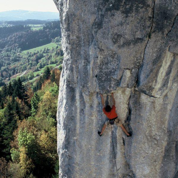 escalade falaise la cendrée pays horloger doubs jura topo
