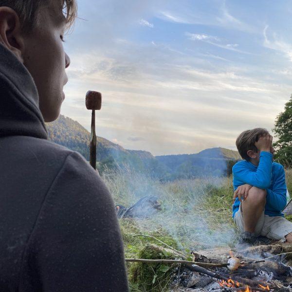 feu de camp barbecue nature famille été