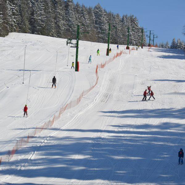 ski hiver neige combe saint pierre descente alpin pays horloger doubs jura