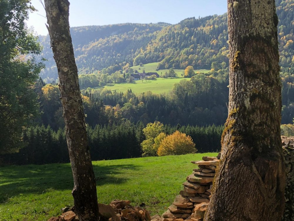 rando automne murs sentier pays horloger haut doubs jura