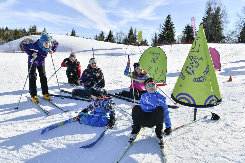 ski hiver neige enfants forfait de ski espace ludique haut doubs jura pays horloger