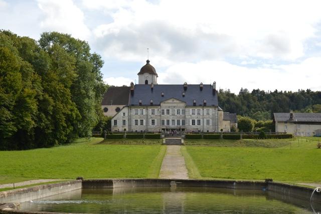 chateau montalembert maiche pays horloger